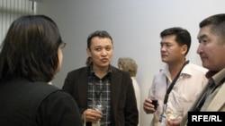 Мерхат Шарипжан (в центре), 2006