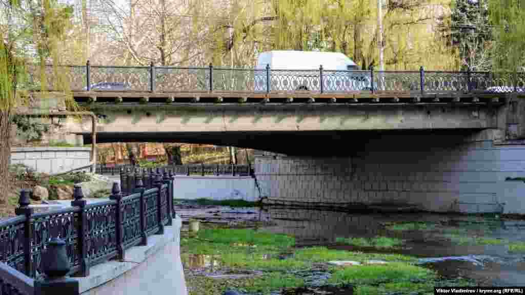 Большой мост на улице Киевской