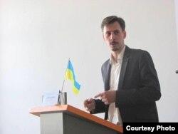 Украінскі гісторык Арцём Папакін мяркуе, што УНР недаацэньвала магчымасьці саюзу з БНР