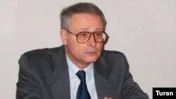 Mauriso Pavesi: «Azərbaycanda demokratikləşmə neft və qaz yataqlarından daha tez tükənəcək»
