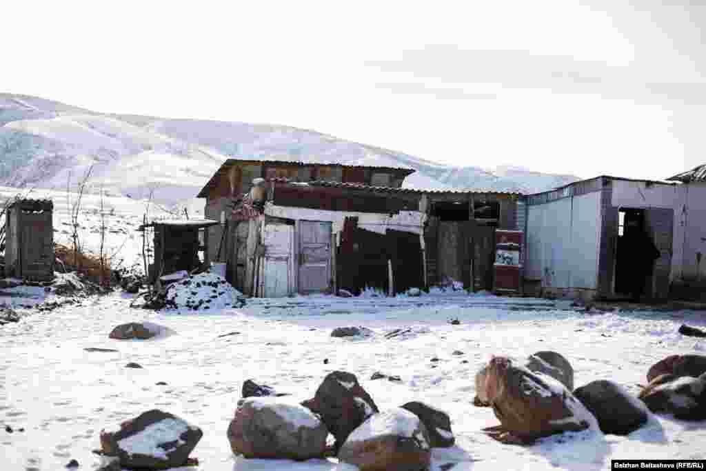 Дом семьи Абдыманаповых в селе Таукаратурык.