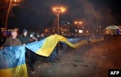 Проукраинский митинг в Донецке. 13 марта 2014 года