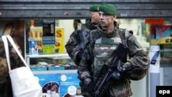 Francuski vojnici patroliraju Parizom, januar 2016.