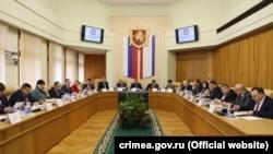 Зал засідань президії російського парламенту Криму