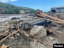 Последствия наводнения в Бозкурте, Турция. 14 августа 2021 года. Фото: Reuters