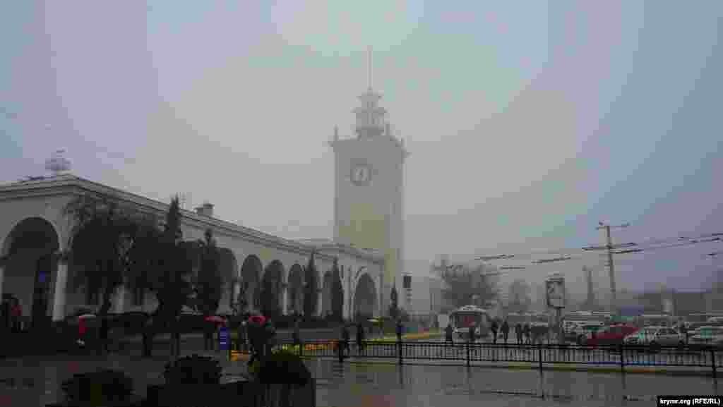 На Сімферопольському залізничному вокзалі