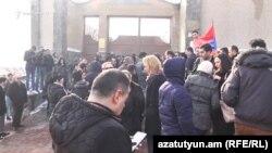 В Ереване прошла акция протеста перед зданием посольства Беларуси в Армении