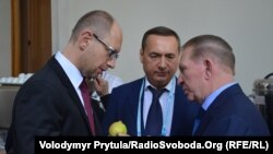 Арсений Яценюк (оң жақта) пен Леонид Кучма (сол жақта). Ялта, 20 қыркүйек 2013 жыл.