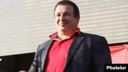 14 февраля, президент Армении Серж Саргсян на заседании совета Республиканской партии Армении назвал Гагика Царукяна, как политического деятеля, злом для страны и псевдополитическим явлением