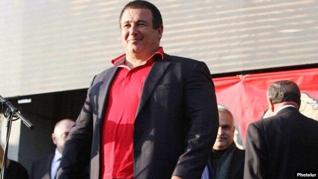Armenia - Prosperous Armenia Party leader Gagik Tsarukian at a rally in Yerevan, 24Oct2014.