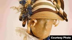Колекціях модних суконь ХІХ століття, Львів, 3 травня 2012 року