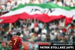 لوئیس فیگو، ستاره وقت تیم پرتغال در بازی مقابل ایران در جام ۲۰۰۶