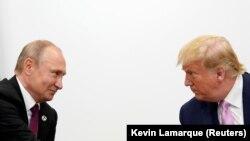 ولادیمیر پوتین و دونالد ترامپ، روسای جمهور روسیه و ایالات متحده در حاشیه اجلاس گروه ۲۰در ژاپن با هم دیدار داشتند