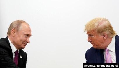 """Владимир Путин и Дональд Трамп на саммите """"Большой двадцатки"""" в Осаке 28 июня 2019 года"""