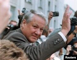 Борис Ельцин во время путча ГКЧП, 20 августа 1991 года
