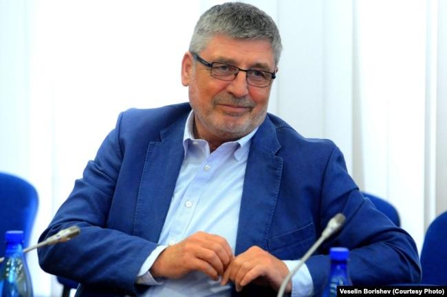 """Собственикът на """"Овергаз"""" и издател на в. """"Сега"""" Сашо Дончев"""