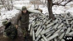 Позиции украинских военных в селе Пески в районе аэропорта Донецка