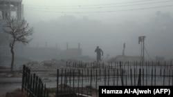 سازمان دیدبان حقوق بشر میگوید دستکم «۲۴ غیرنظامی» در حملات روز ۱۵ اسفند به غوطه شرقی کشته شدهاند