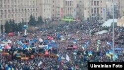 Акция сторонников евроинтеграции Украины. Киев, 1 декабря 2013 года.