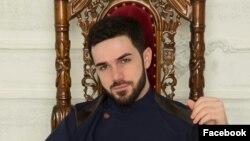 Чеченский певец Зелимхан Бакаев.