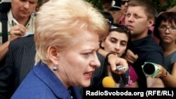 Даля Грибаускайте на встрече с жителями Харькова в мае 2012 года