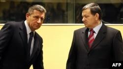 Ante Gotovina i Mladen Markač u sudnici haškog tribunala uoči izricanja presude, 16. studeni 2012.