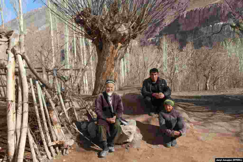 Nazim (left) with his son Akhtam (center) and grandson. Nazim was deported to Shaar-Tuz with his family when he was 12. He came back to Depshaar in 1968 as one of the first returnees. He worked for 40 years in various state positions, and now receives a monthly pension of 200 somoni (about $25).