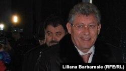 Mihai Ghimpu și Anatol Șalaru la negocierile politice din Parlament, decembrie 2010