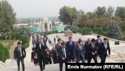 Өзбекстанга барган кыргыз делегациясы. 1-октябрь