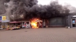 Пожежа біля станції метро «Лівобережна» – відео з місця подій