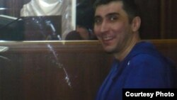 Вадим Курамшин на суде, где рассматривалось дело по обвинению его в вымогательстве. Тараз, 2 мая 2012 года.
