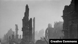 Дрезден шаары 1945-жылдагы бомбалоодон кийин.