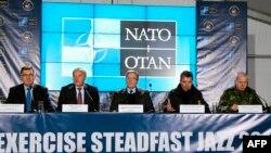 Президент Польши и премьеры Латвии и Литвы участвуют в совещании стран НАТО