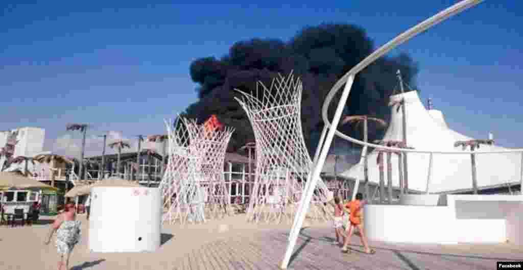 Комерційний збитки, завдані фірмі, що орендує пляж, становлять близько 8 мільйонів рублів