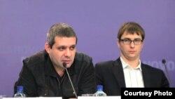 Директор Ассоциации интернет-издателей РоссииВладимир Харитонов (слева).