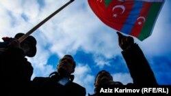 Протест в Баку после акта самосожжения ветерана войны в Нагорном Карабахе.