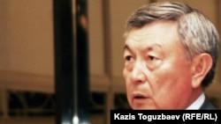 Председатель КНБ Нуртай Абыкаев в бытность заместителем министра иностранных дел Казахстана. Алматы, 16 июля 2010 года.