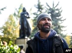 Олександр Мілов під час відкриття пам'ятника Дарту Вейдеру. Одеса, 23 жовтня 2015 року