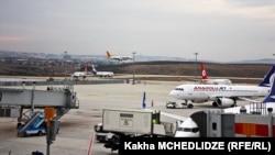 Pamje nga aeroporti Sabiha Gokcen në Stamboll