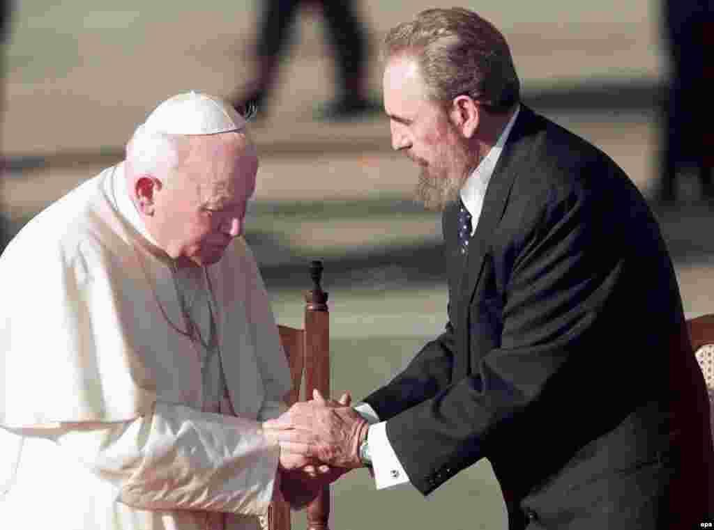 З Папою Римським, 1998 рік