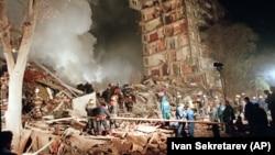 На месте взрыва на улице Гурьянова в Москве, 9 сентября 1999 года