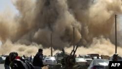 Бомбардировки ливийских городов, контролируемых повстанцами, продолжаются