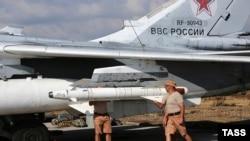 რუსეთის თვითმფრინავი საჰაერო ბაზაზე სირიაში