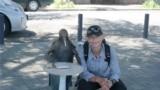 Romania/Georgia (Abkhazia, Sukhumi) - Fati16, În Abhazia, la Suhumi. Sabina Fati și pinguinul filosof