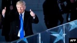 Дональд Трамп становится сегодня 45-м президентом США
