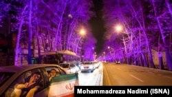شادی شهروندان تهرانی دقایقی پس از اعلام تفاهم سیاسی لوزان