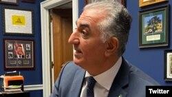 رضا پهلوی میگوید مردم ایران دموکراسی را در ایران برقرار خواهند کرد