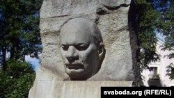Магіла Якуба Коласа на вайсковых могілках