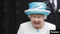 Королева Великобритании Елизавета Вторая отметила 60 лет своего пребывания на престоле (6 февраля 2012 года)