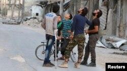 Pogled u nebo u iščekivanju vazdušnih napada: Aleppo